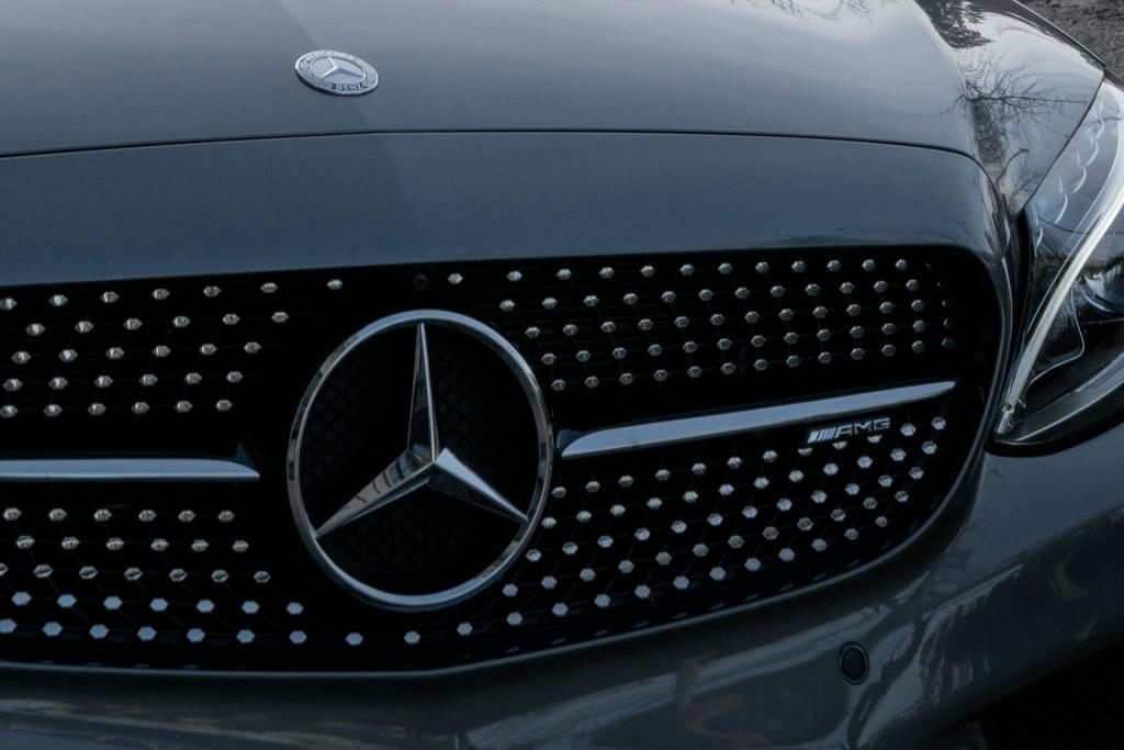 Thumbnail for She's Mercedes